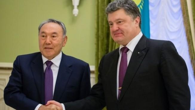"""Пока весь мир наблюдает за Сирией и Каталонией, в Казахстане идёт себе """"тихий майдан"""""""