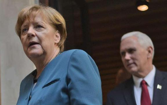 Меркель решила не отправлять корабли к Крыму