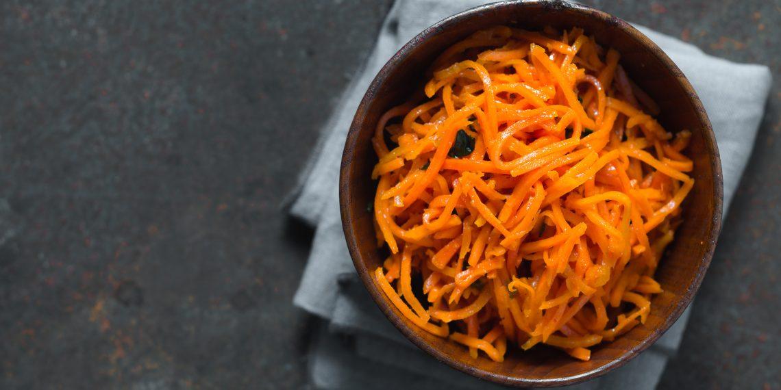 Салат с корейской морковью и кукурузой