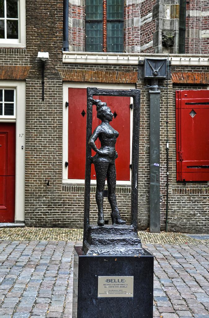 Памятник в амстердаме проститутки