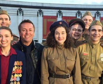 Актер мюзикла «Норд-Ост» покорил соцсети роликом о Дне Победы