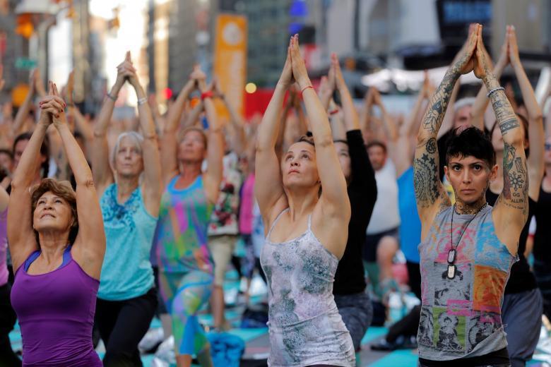 Йога на Таймс-сквер