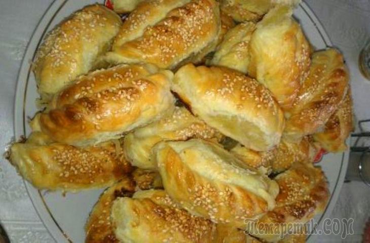 Гезлевские слоенные пирожки с мясом(Гезлев катмерли янтыклар