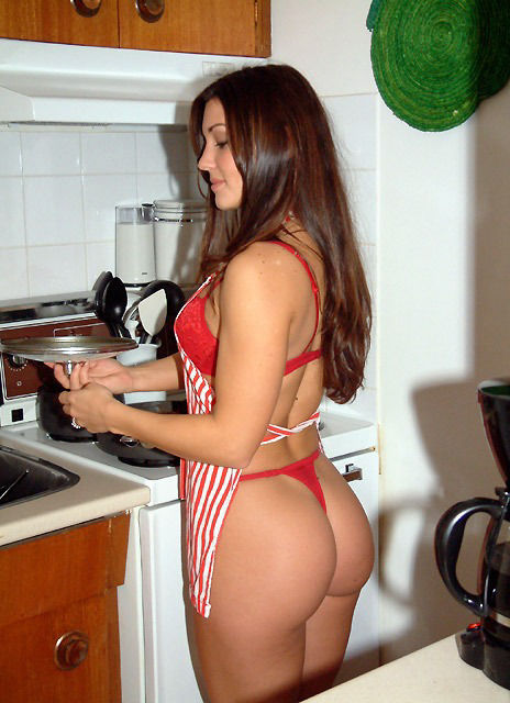 Горячие красотки на кухне