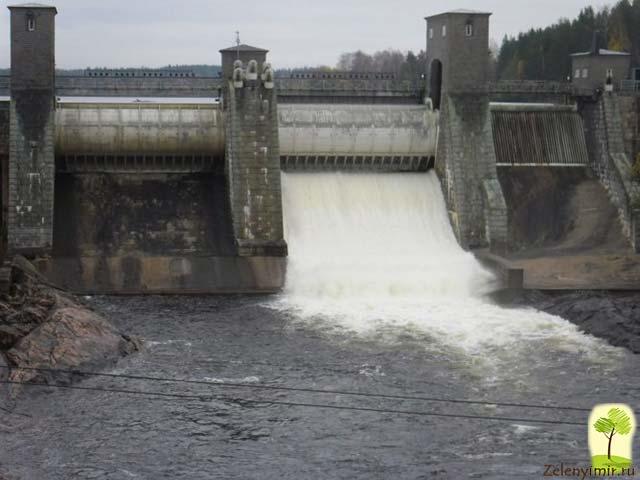 Завораживающий водопад Иматранкоски на плотине в Иматре, Финляндия - 13