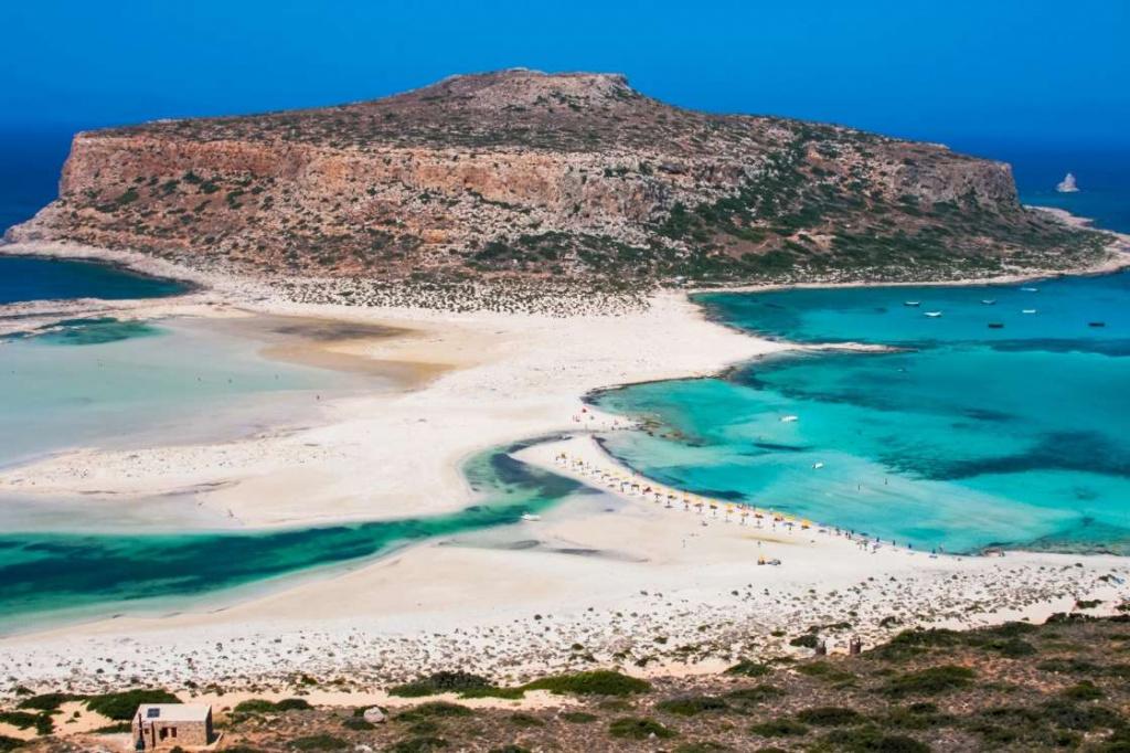 Пляж Балос — один из самых труднодоступных пляжей острова Крит