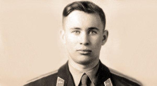 Гибель космонавта за несколько дней до полета Гагарина : Валентин Бондаренко (засекречено 25 лет)