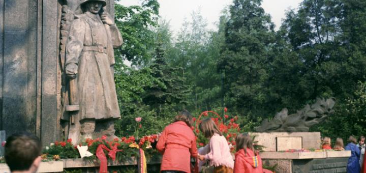 Польские власти планируют снести около 500 памятников советским солдатам