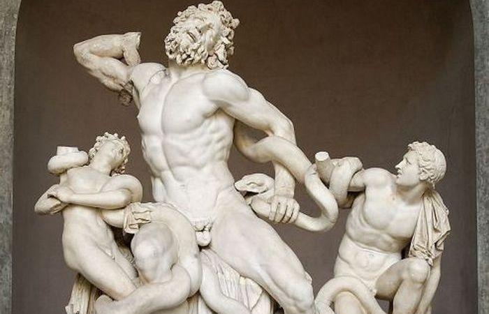 Почему у античных статуй маленькие пенисы? Объяснение дамы-искусствоведа.
