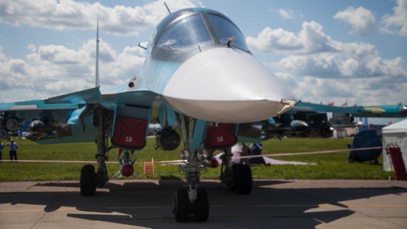 Источник рассказал о передаче ВКС РФ пары фронтовых бомбардировщиков Су-34