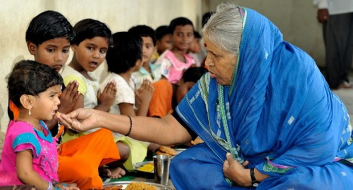 «Я мать для тех, у кого никого нет» — индианка вырастила более 1400 детей-сирот