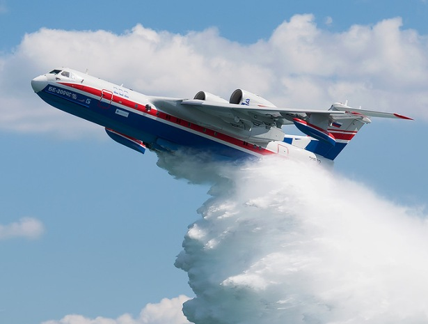 Новый серийный Бе-200 передан МЧС России