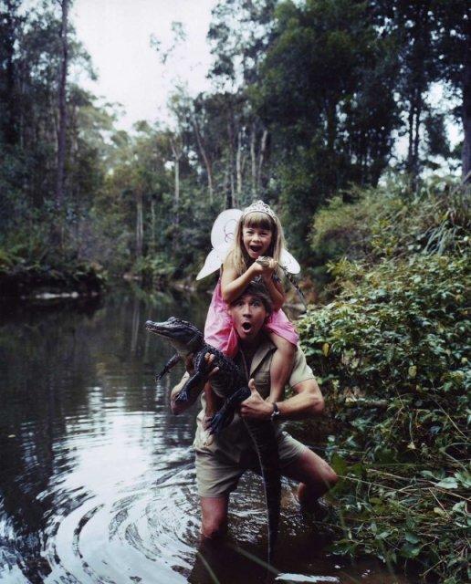 Стив Ирвин с дочерью Бинди. Photo by Hugh Stewart. история, люди, мир, фото