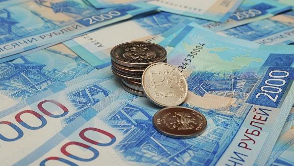 В РПЦ призвали уравнять средние зарплаты чиновников и бюджетников