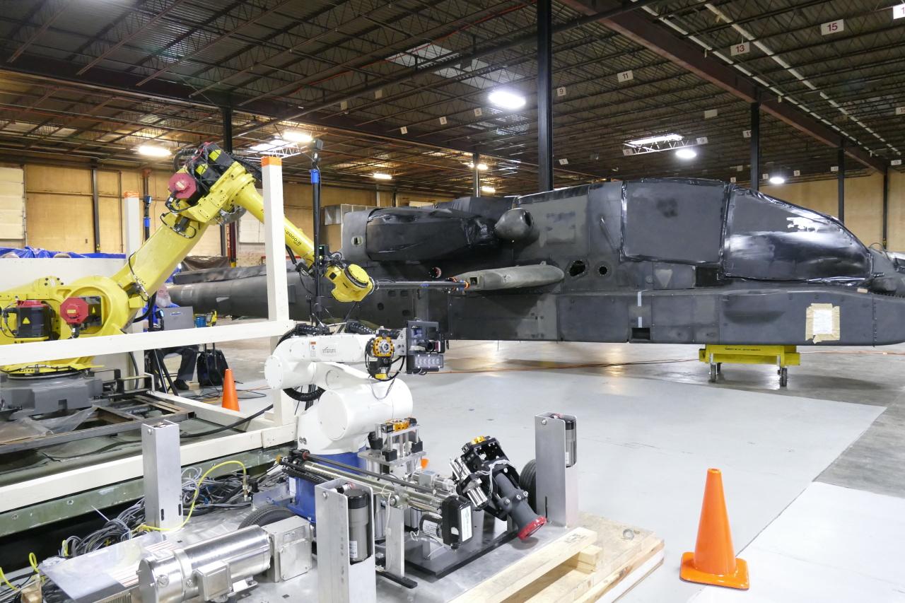 Армия США доверит заправку вертолетов роботам