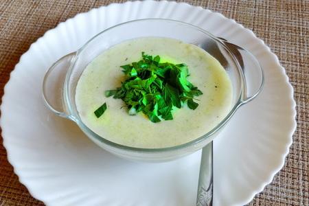 Фото к рецепту: Суп-пюре из кабачков
