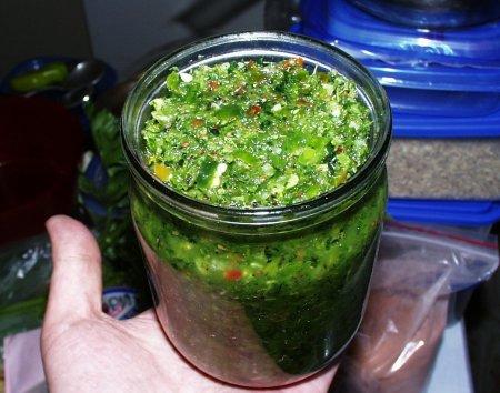 http://edosayt.info/uploads/recipe/pripravy_sousy_zapravki/zelenaya-adzhika_3908.jpg