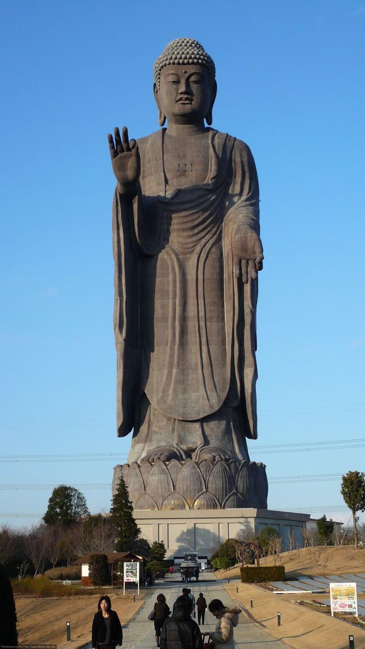 Самая высокая отдельно стоящая статуя в мире
