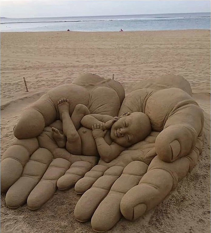Из песка... Невероятно!!!
