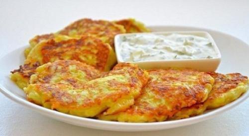 Кабачковые оладьи с сыром и чесноком на 100 грамм — 46.