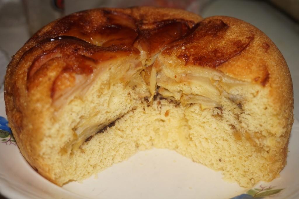 Шарлотка классическая в мультиварке с яблоками рецепт с фото пошагово