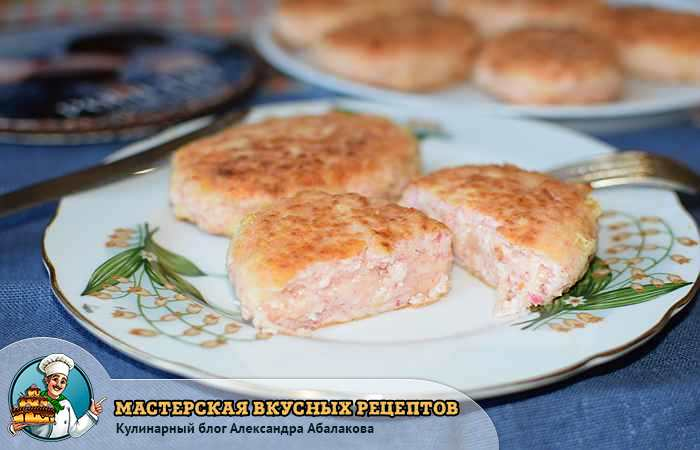 Котлеты из крабовых палочек с сыром и чесночком