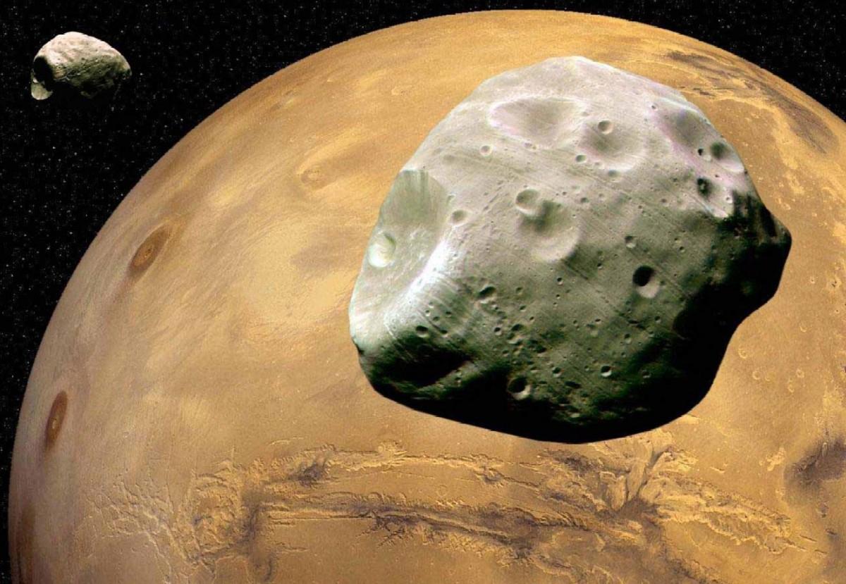 Спутник Марса Деймос опасен для астронавтов и роботов