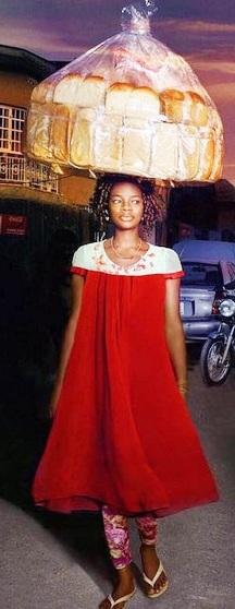Чудеса случаются — нигерийская торговка хлебом стала фотомоделью и получила шикарный контракт