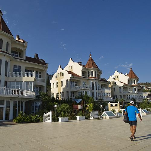 Отели Крыма и Краснодарского края снизили цены на путевки в бархатный сезон на 20–30%