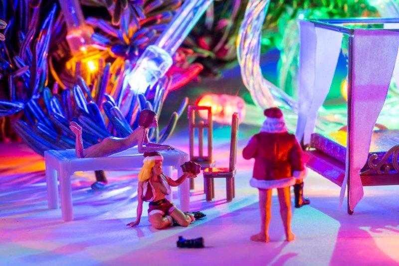 """""""Санта после работы"""" инсталляции, искусство, креатив, миниатюры, необычно, творчество, фото, фотограф"""