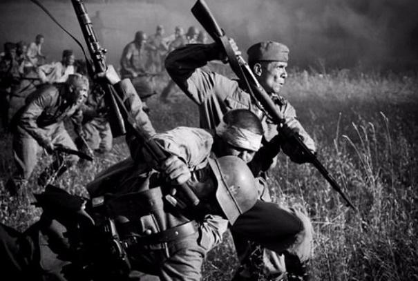 Как советские солдаты ходили в рукопашную на Великой Отечественной?