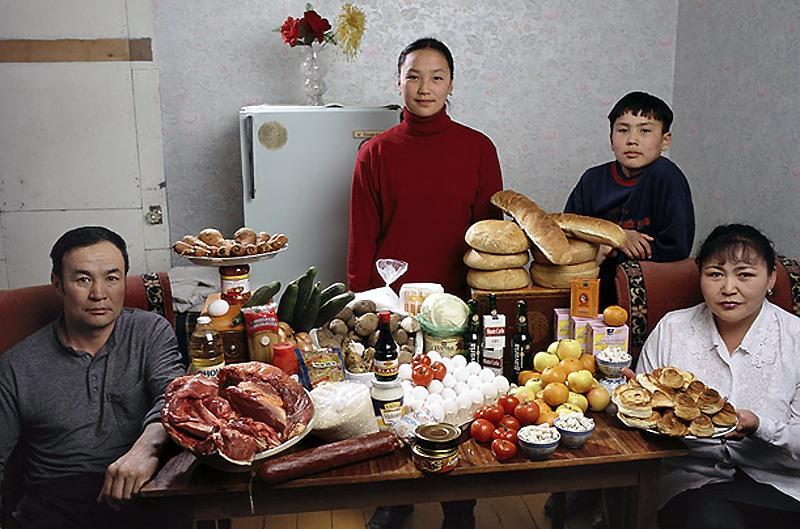 Frank Zweegers Art - portret uit Mongolië boodschappen