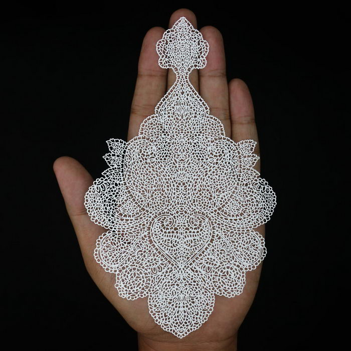 Фантастическая резьба по бумаге Parth Kothekar