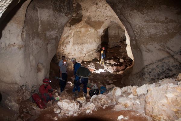 В крымской пещере нашли неиз…
