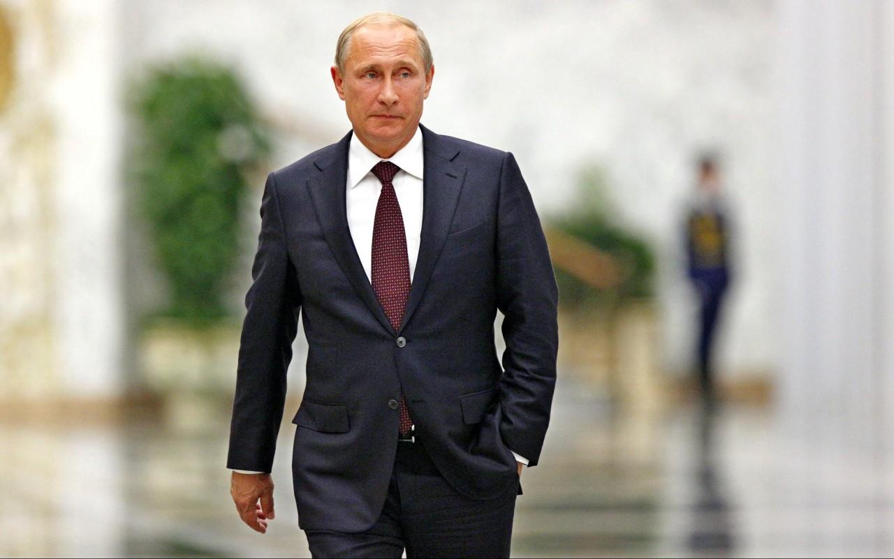 Америка ищет спасения в войне. Почему спокоен Путин?
