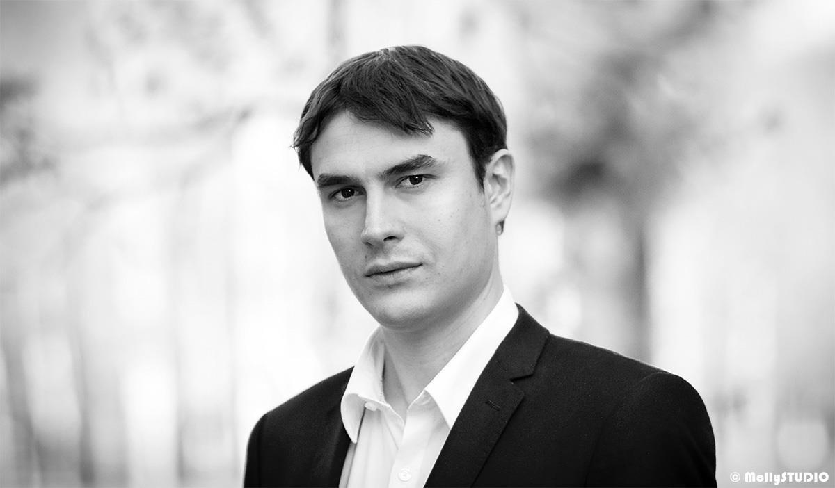 """Сергей Шаргунов - """"Кто эти эксперты? Эксперты, как правило, — люди темные""""."""