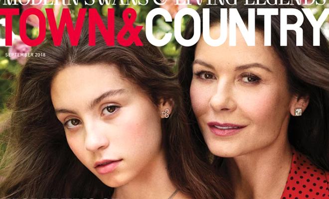 Естественны и прекрасны: Кэтрин Зета-Джонс снялась для обложки глянца с 15-летней дочерью