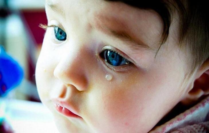 7 фраз, которые нельзя говорить ребенку, когда он плачет