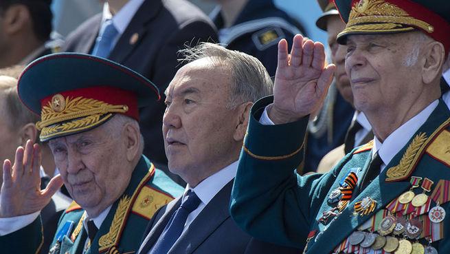 В Казахстане и Белоруссии решили не проводить парад