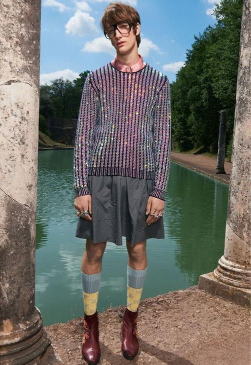 """Таким """"мужчинкам"""", одетым в модные гардеробы от Gucci, стоит обходить стороной рабочие окраины больших городов"""