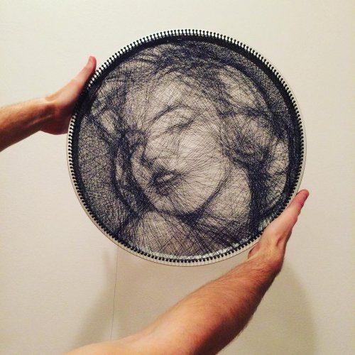 Портреты, созданные с помощью одной нити