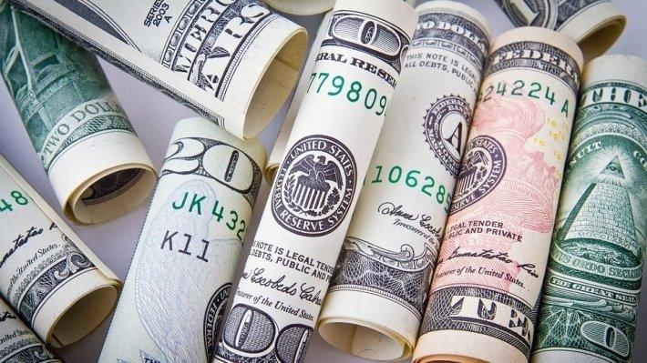 Противовес санкциям: отказ России от доллара вызвал волнения среди инвесторов в США