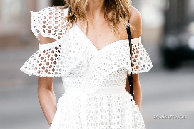 Уличная мода лета 2017: модные образы с воланами и оборками