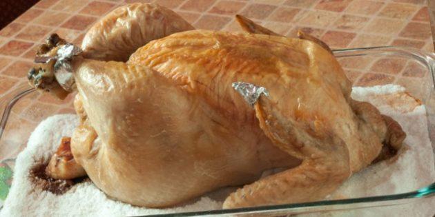 Рецепты курицы в духовке: Целая курица на соли