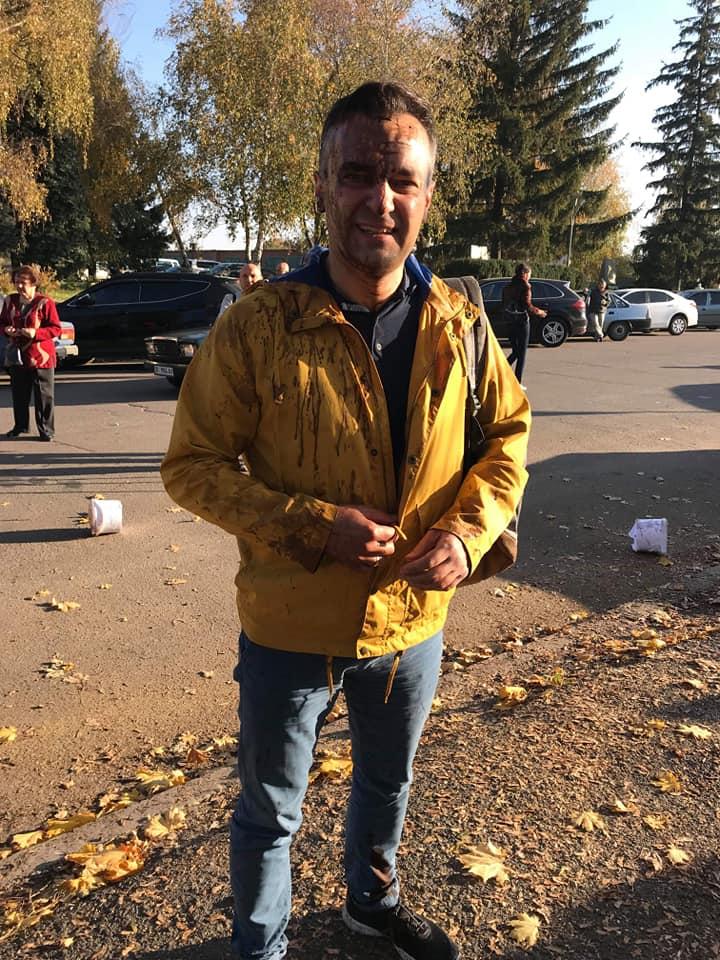 Шабаш на Полтавщине: украинского журналиста облили нечистотами