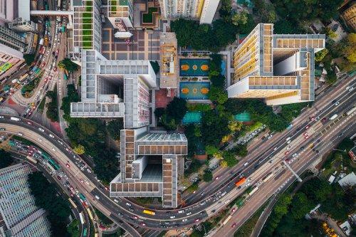 Захватывающие снимки города-крепости Коулун в Гонконге, сделанные с помощью дрона (9 фото)