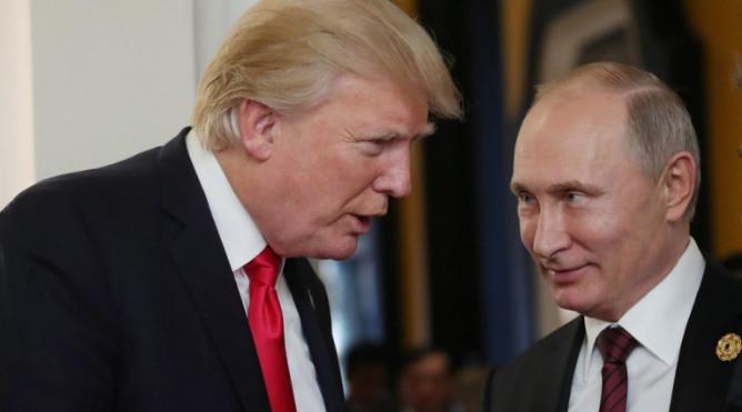 Трамп обожает Путина, заявил Сноуден