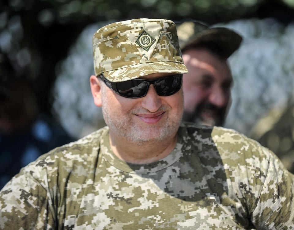 Турчинов может объявить о строительстве хоть 10 разведцентров: эксперт о квалификации разведки Украины