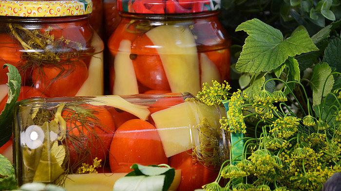 Консервированные помидоры с болгарским перцем на зиму