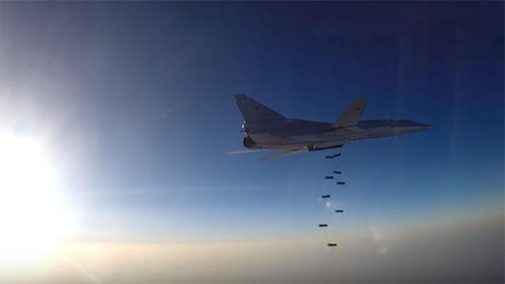 Бомбардировщики Ту-22М3 нанесли новый удар по террористам ИГ в районе Абу-Кемаля в Сирии